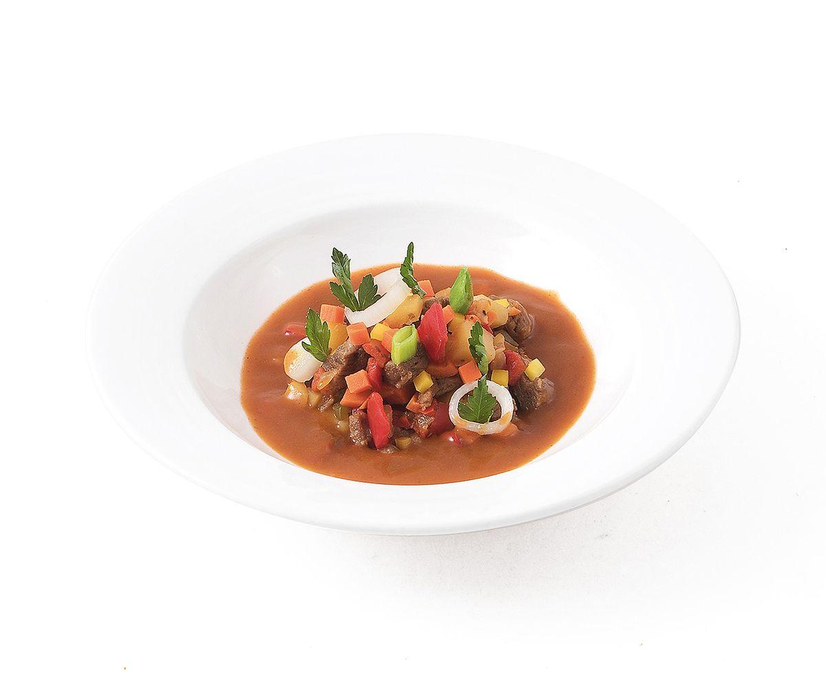 ungarischer gulaschtopf eintopf mit rindfleisch und gem se On ungarischer gulaschtopf